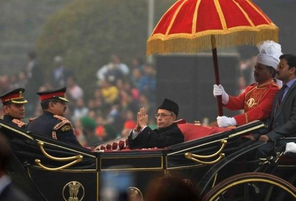 For Beating the Retreat, President Pranab Mukherjee brings back the buggy
