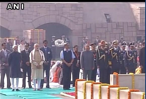 pm modi salute to father of nation mahatma gandhi