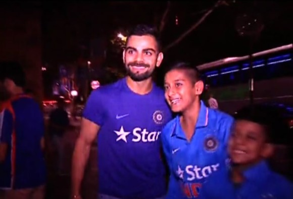 virat kohli selfie with his little fan
