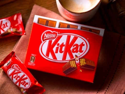 Student demands lifetime supply of chocolate because she had no wafer in her KitKat