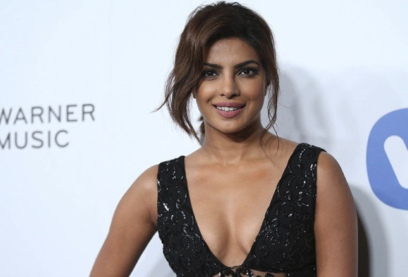प्रियंका की पहली हॉलीवुड फिल्म 'बेवॉच' 2017 में होगी रिलीज
