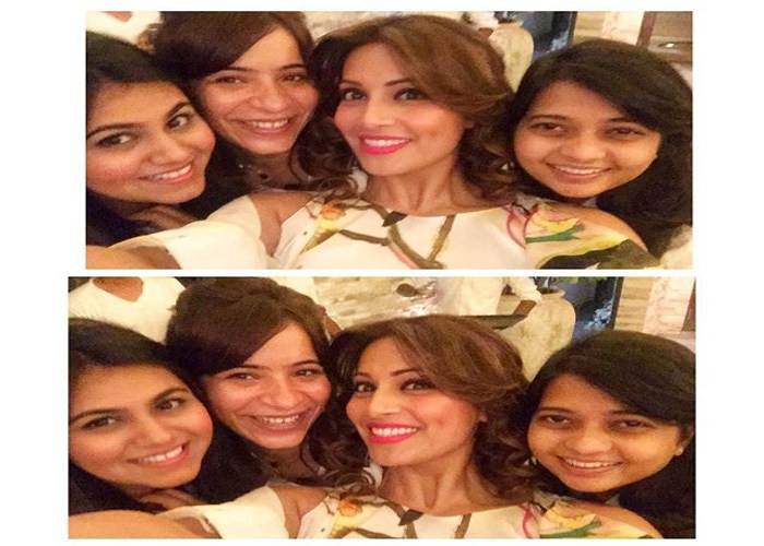 in a 17 year old picture, bipasha basu wishes her relatives