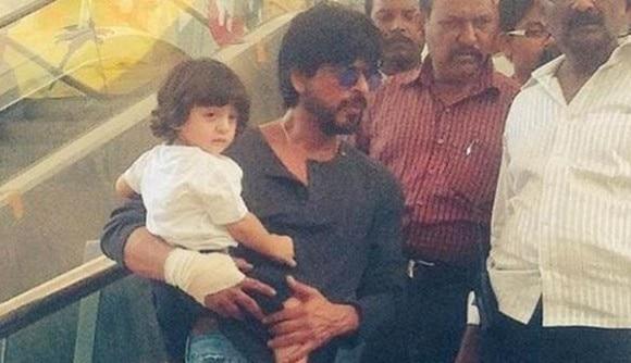 Shah Rukh Khan with son AbRam in Gujarat for Raees shoot