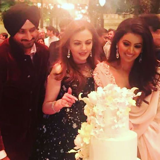 harbhajan singh's and geeta basra's day out with team india players
