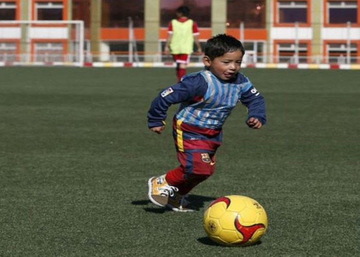 afghanistan's murtza to meet football's god lionel messi soon