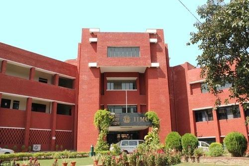 iimc to go for last batch's convocation amidst caste based controversy