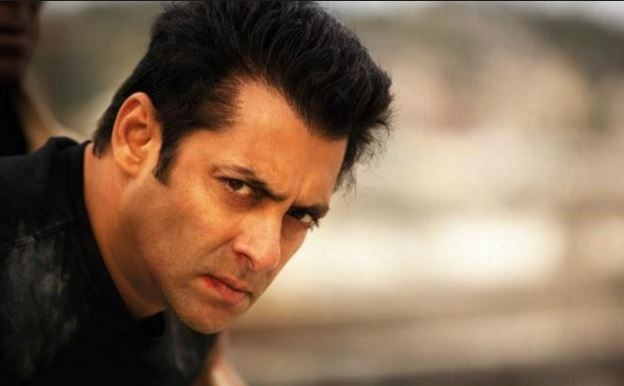 Salman Khan slaps his bodyguard!