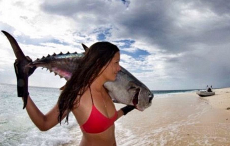 Hawaii based model kills octopus by her bare hands and more