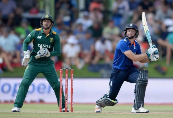 England win second ODI by five wickets