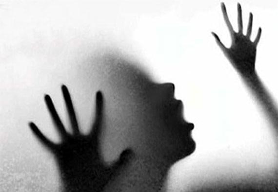 यूपी: रिश्तेदारी में आ रही महिला को बेहोश कर किया गैंग रेप
