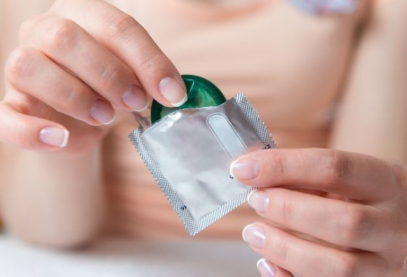 US urges condom use or abstinence to avoid Zika virus