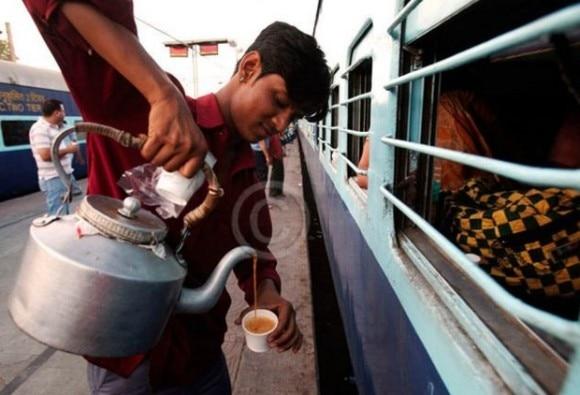 Good news: now enzoy 25 varieties of tea on railway stations