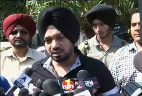 gurpreet ghuggi will joins AAP today