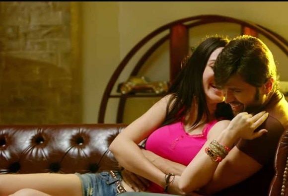 Watch: Wafa Ne Bewafai VIDEO Song starring Himesh Reshammiya, Farah Karimaee
