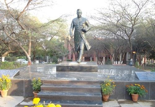 Afzal Guru event: slogans hailing afzal at JNU campus; 'disciplinary' enquiry ordered