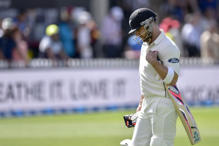 Brendon McCullum first to 100 consecutive Tests