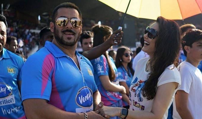 Anushka and Salman on valentine day