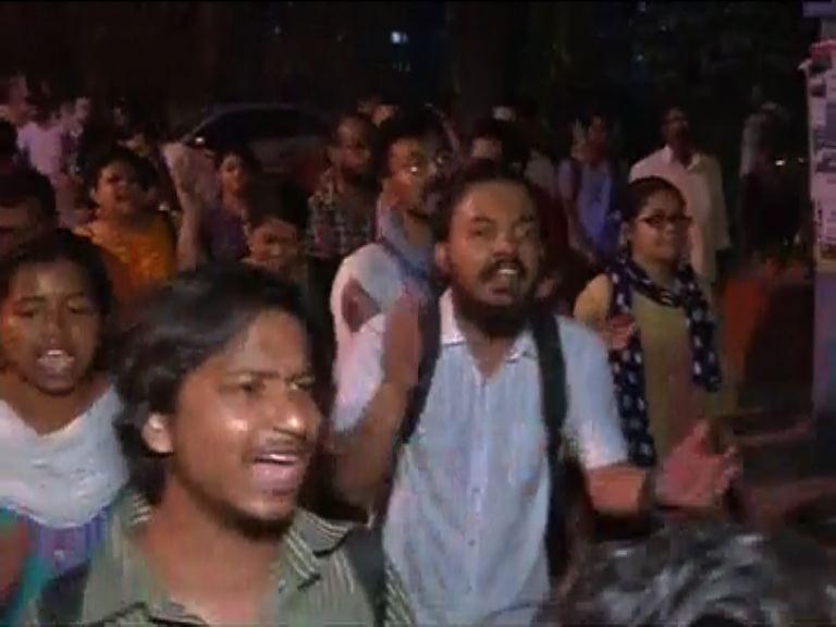 After JNU, pro-Afzal Guru slogans raised in Jadavpur University