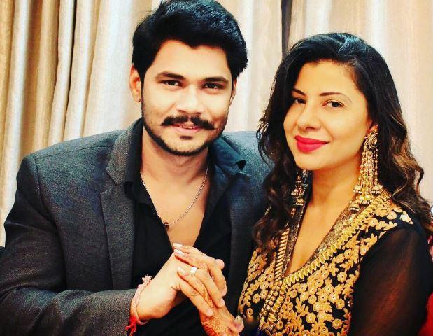 Ex Bigg Boss contestant Sambhavna Seth gets engaged without parents' consent!