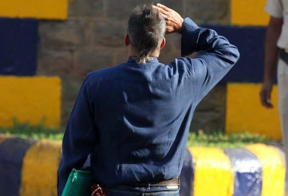 Sanjay Dutt Salutes The National Flag and it was a filmy scene!
