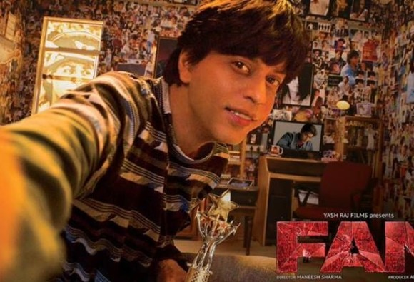 Shahrukh offers 'Fan' job to his real-life fan via Twitter
