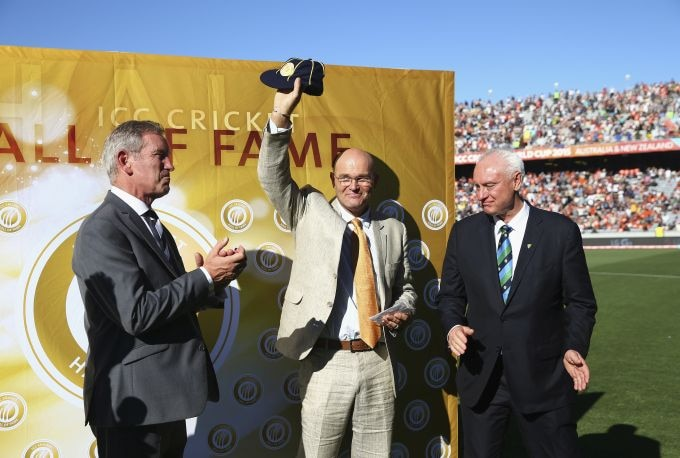 Martin Crowe dies in Auckland after battle with cancer