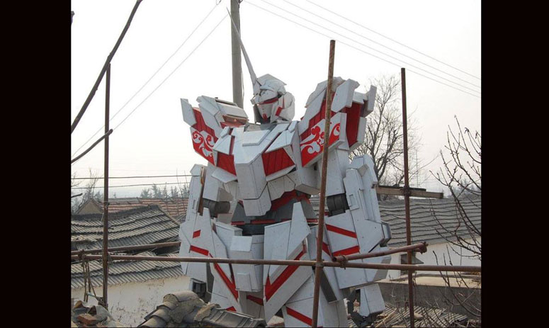 Gigantic Wooden Gundam Unicorn Appears in Shandong