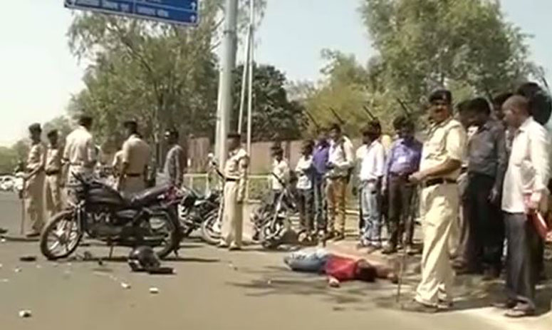 Accident Victim Dies As Police Secure The Road For MP CM, While People Watched