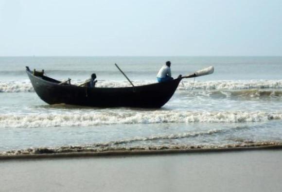 Gujarat: Abandoned Pakistani boat found near Kutch