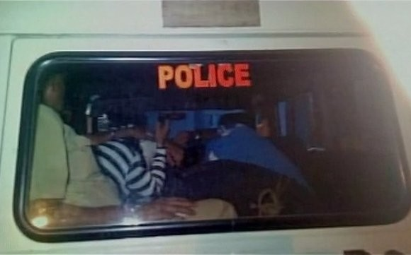 Howrah : Girl Jumps from Rooftop to save from being Ganged raped