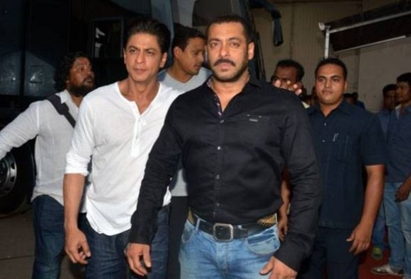 Shah Rukh's surprise visit to Salman on the sets of 'Sultan'