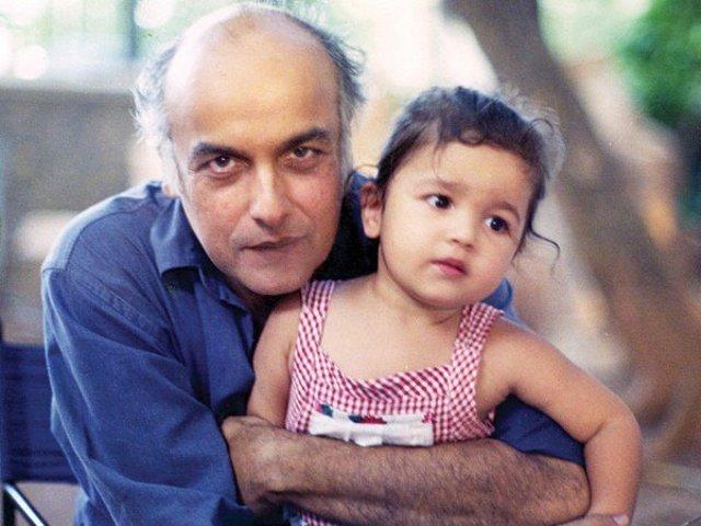 Pics of alia bhatt with mahesh bhatt