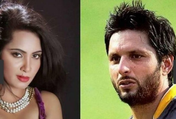 Arshi claims she is pregnant with Afridi's baby