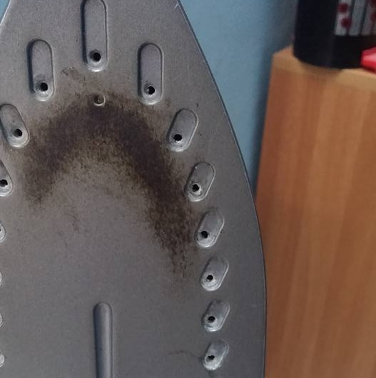 How to remove tough stains on iron box