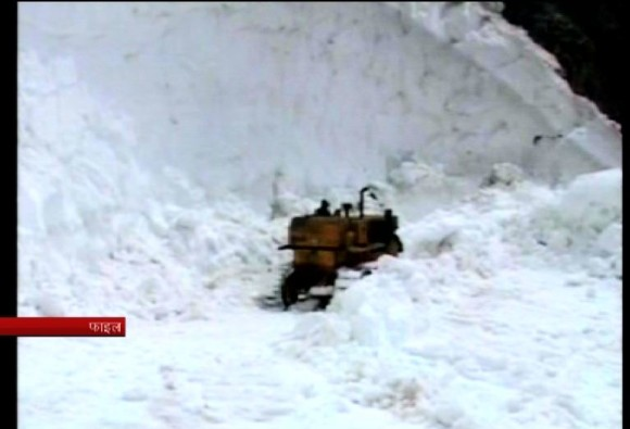 one soldier missing after avalanche hits army post