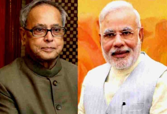 President and Prime Minister greet people on Holi