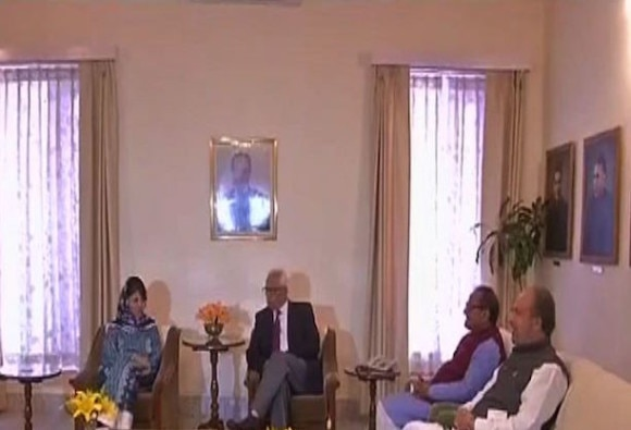 Mehbooba set to become CM, pdp bjp meet with governor nn vohra