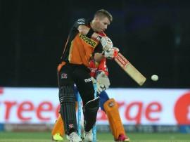 IPL 9:  वार्नर के धमाके से हैदराबाद फाइनल में