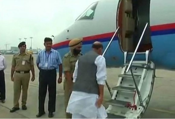 राजनाथ सिंह का 'मिशन कश्मीर', दो दिन के दौरे पर पहुंचे कश्मीर, नौकरियां देने का एलान मुमकिन
