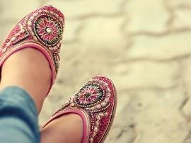 पर्सनेलिटी निखारने में अहम भूमिका निभाते हैं जूते!