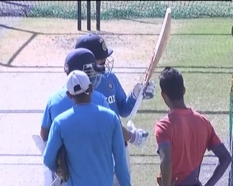 Virat Kohli gets angry just before the first ODI, throws his gloves! 2