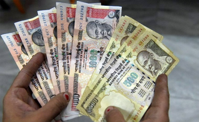 500-and-1000-rupee-notes-afp