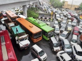 नए साल के पहले दिन दिल्लीवासियों को रोड टैफिक जाम से हुई परेशानी