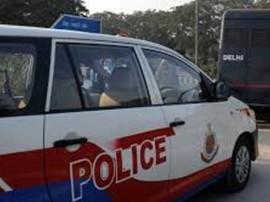 दिल्ली : गर्भवती महिला की मदद को सामने आई पुलिस, पीसीआर वैन में बच्ची ने लिया जन्म