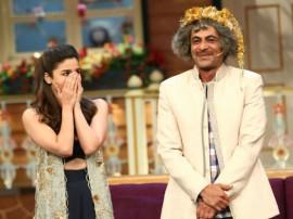 बद्रीनाथ की दुल्हनियां के प्रमोशन के लिए कपिल के शो में पहुंचे आलिया-वरुण, मचा धमाल