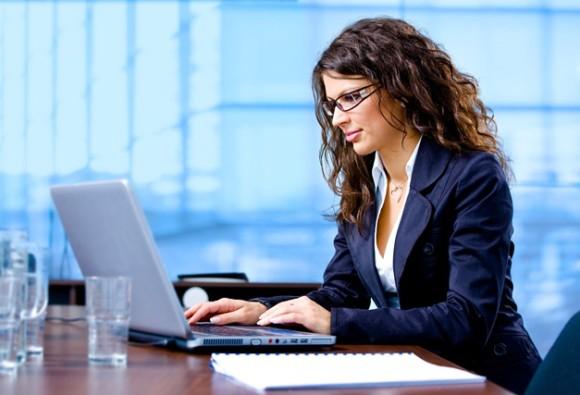 महिलाओं को मिलता है पुरुषों से 25 प्रतिशत कम वेतन: सर्वे