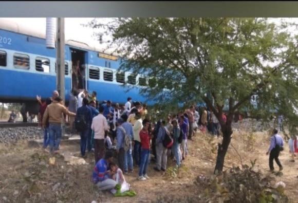 MP : Blast in passenger train, passengers injured