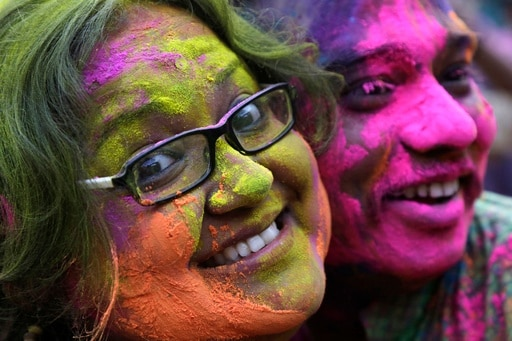 This Holi, play it safe with these skin care tips