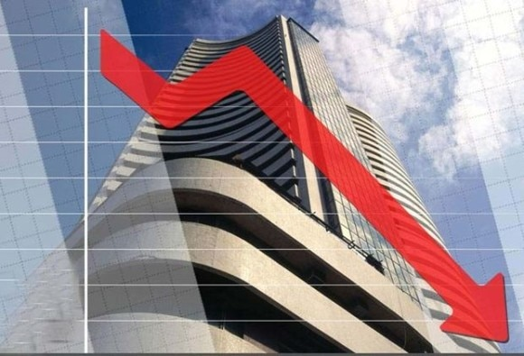 stock market is showing slow trend in day's trading, sensex at 30000