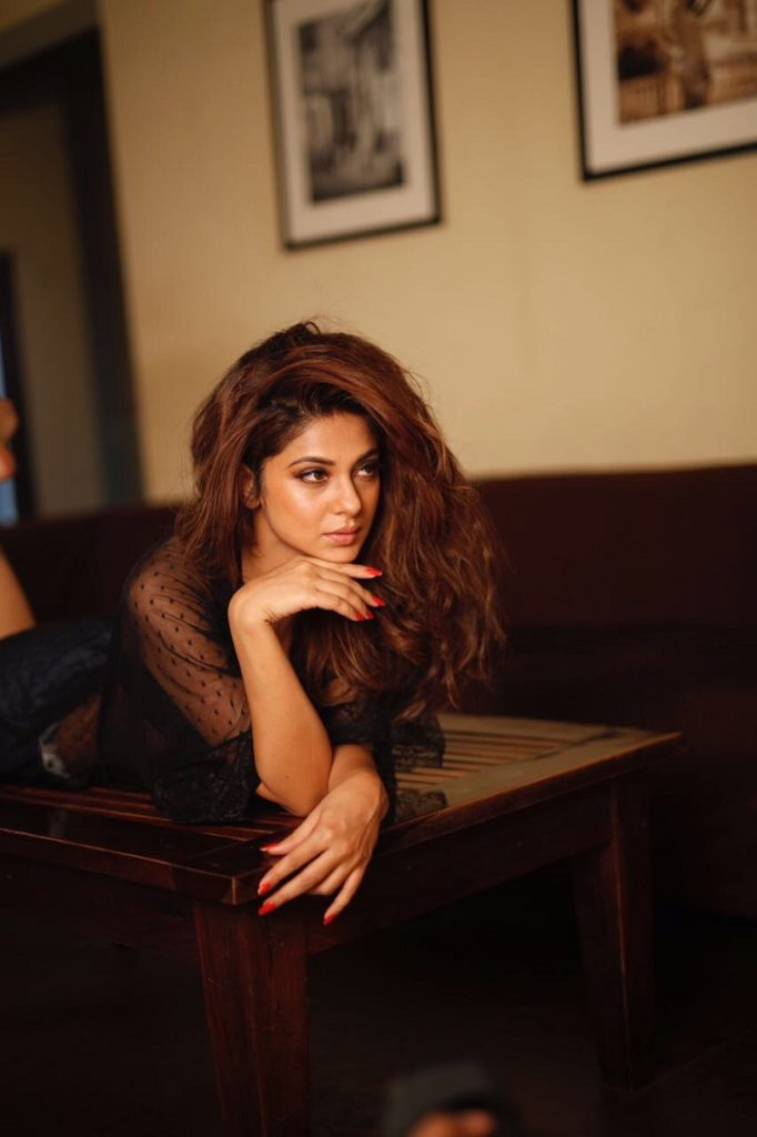 PICS: 'Beyhadh' actress Jennifer Winget's BOLD avatar in latest photoshoot is the HOTTEST thing you will see on INTERNET today!